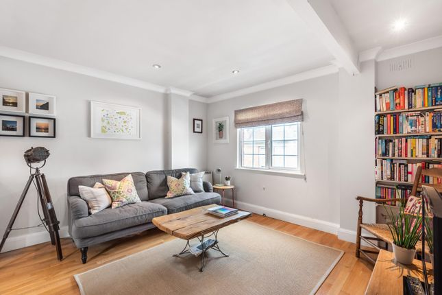 Living Room of Greys Road, Henley-On-Thames RG9