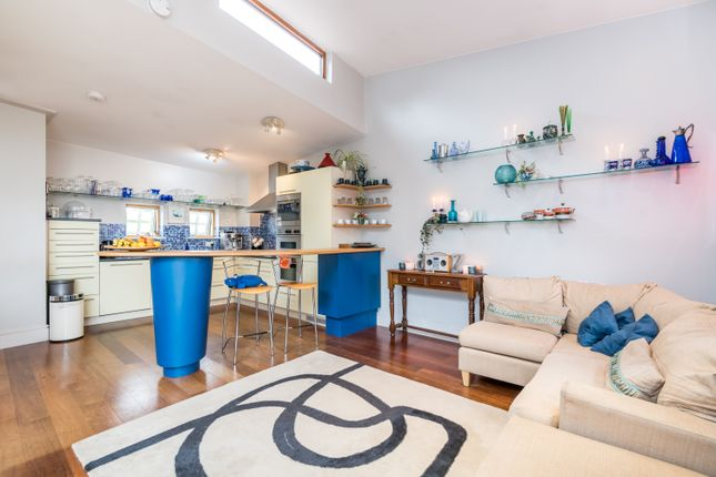 Thumbnail Terraced house for sale in Draymans Mews, London