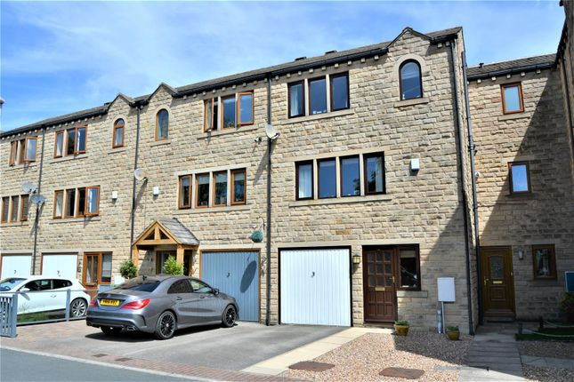 Thumbnail Town house for sale in Parkland Avenue, Longwood, Huddersfield