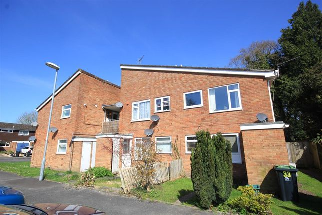 Thumbnail Flat to rent in Thames Close, Ferndown