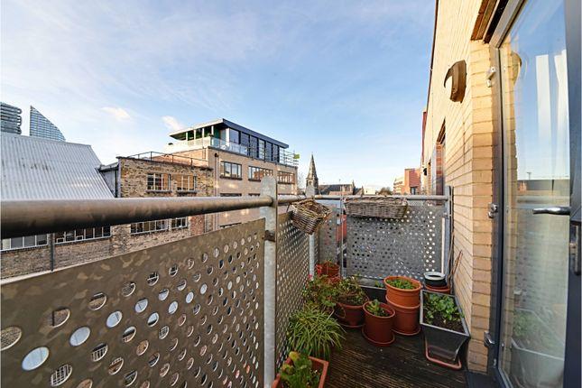 Balcony of Murray Grove, Islington N1