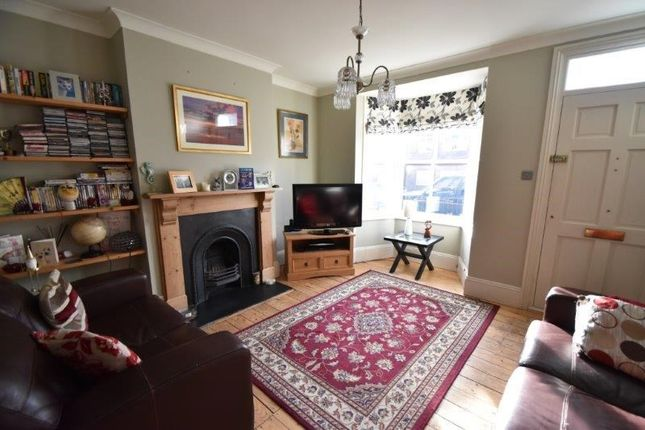 Thumbnail Town house for sale in St. Peters Road, Droitwich