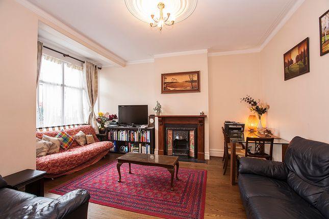 Thumbnail Flat to rent in Falkland Avenue, London