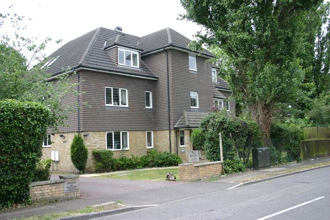 Thumbnail Flat for sale in Bowers, Ayloffs Walk, Emerson Park, Hornchurch
