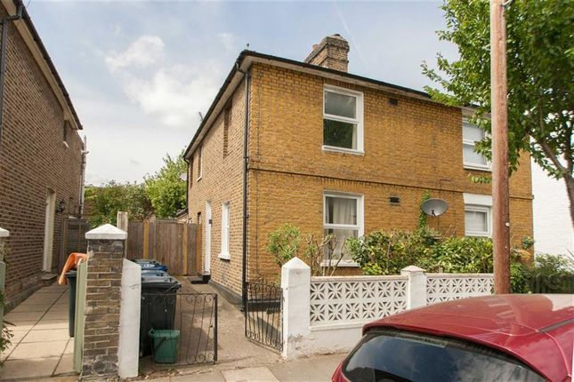 3 bed semi-detached house to rent in Myrtle Road, London