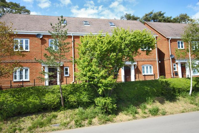 1 bed flat to rent in Sway, Lymington, Hampshire SO41