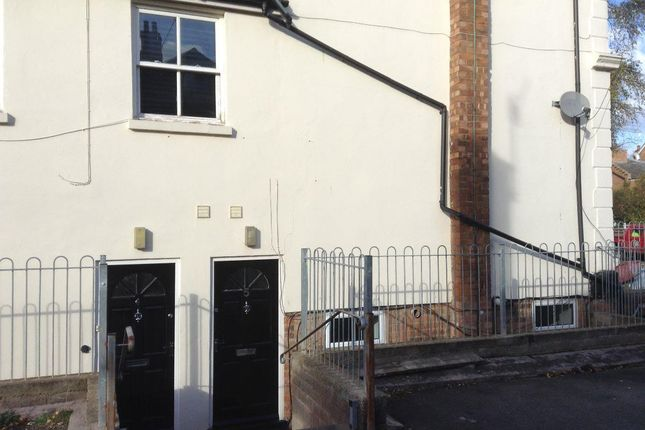 Flat to rent in St Marys, Crescent, Leamington Spa