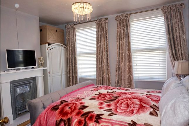 Bedroom One of Prospect Avenue, Strood Rochester ME2