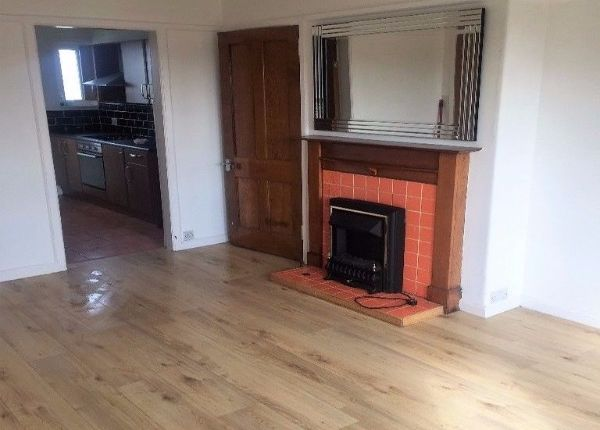 Thumbnail 2 bed flat to rent in Thorn Brae, Johnstone, Renfrewshire
