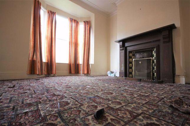 Lounge of Rosmead Villas, Rosmead Street, Hull HU9