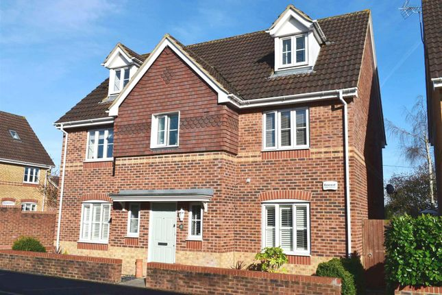 Thumbnail Detached house for sale in Sunderland Gardens, Newbury