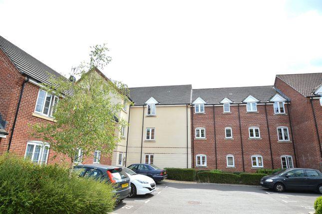 Thumbnail Flat to rent in Crestwood View, Boyatt Wood, Eastleigh