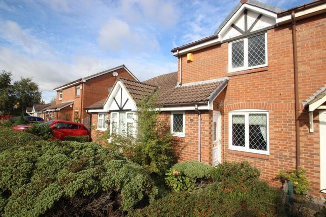 Thumbnail Town house to rent in Chelsfield Way, Pendas Field, Leeds