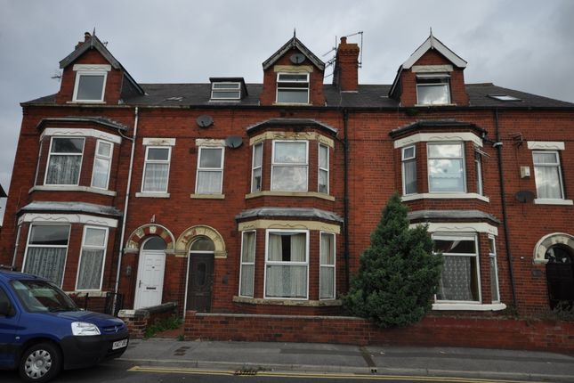 Thumbnail Flat to rent in Hook Road, Goole