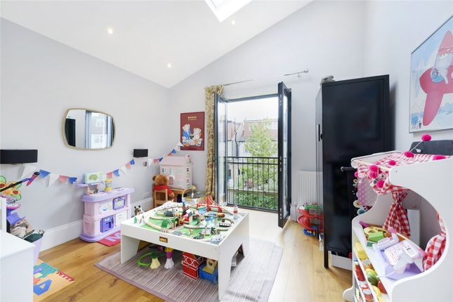 Play Room of Rusthall Avenue, London W4