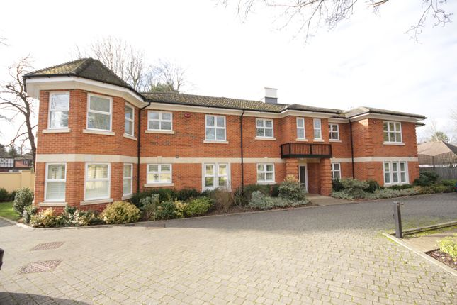 Thumbnail Flat to rent in Lower Cookham Road, Maidenhead