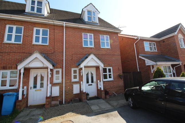 Thumbnail End terrace house for sale in Heatherwood Court, Hull