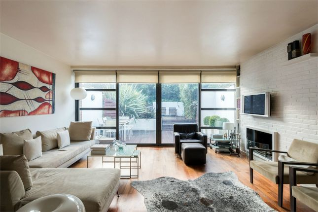 Thumbnail Terraced house for sale in Farquhar Road, London