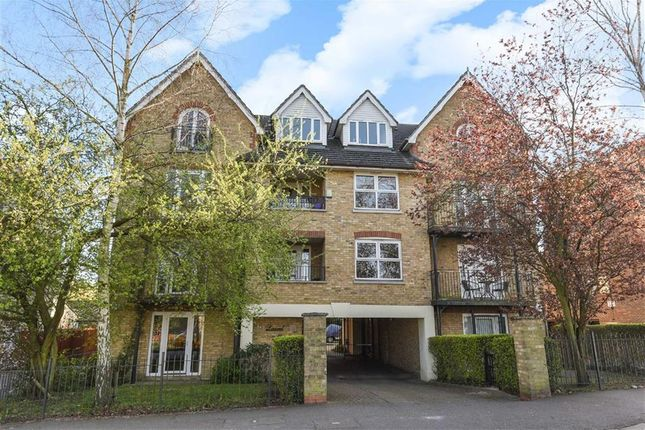 Thumbnail Flat for sale in Laurel Mead Court, South Woodford, London