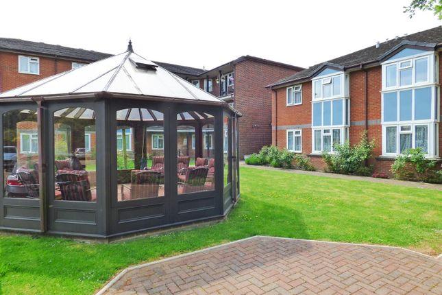Communal Gardens of Furzehill Road, Borehamwood WD6