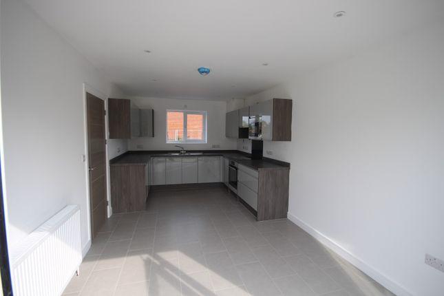 Kitchen of Ferry Walk, Abingdon OX14