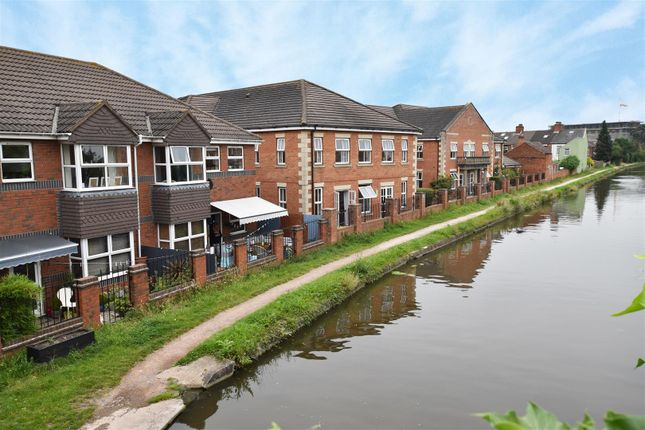 2 bed flat for sale in Cartwright Street, Loughborough LE11
