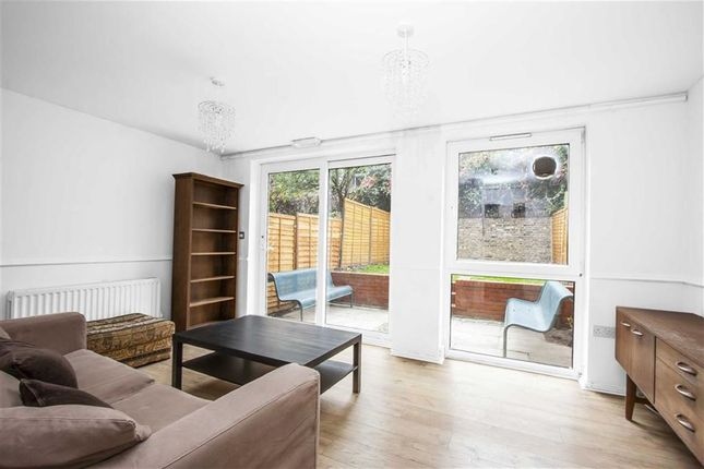 3 bed maisonette to rent in Spring Gardens, Canonbury, London