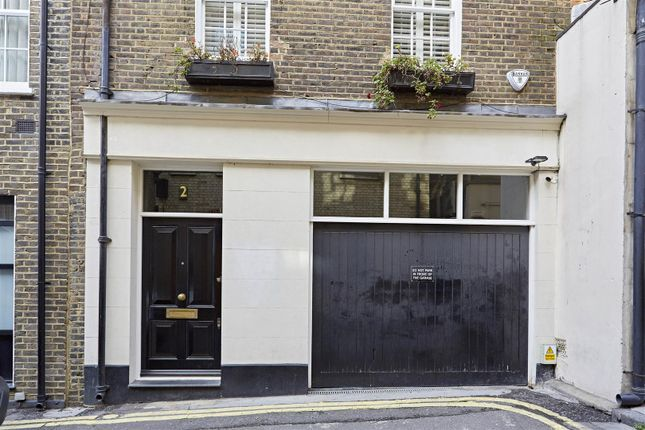 Thumbnail Town house to rent in Ormond Yard, St James Park, London