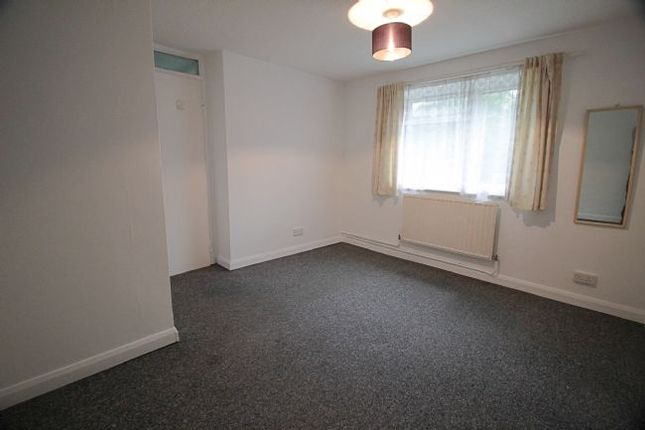 1 bed flat to rent in Scrubbits Square, Radlett