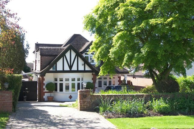 Thumbnail Detached house for sale in Georges Wood Road, Brookmans Park, Hatfield