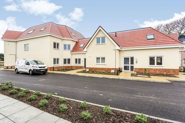 Thumbnail Flat to rent in Stoneman View Sea Front, Hayling Island