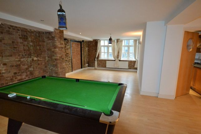 Thumbnail Flat to rent in Fairclough Street, Aldgate East