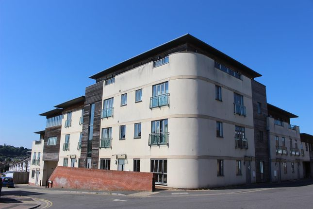 Thumbnail Flat to rent in Richmond Road, Yeovil