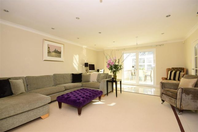 Lounge of Glendale Close, Shenfield, Brentwood, Essex CM15