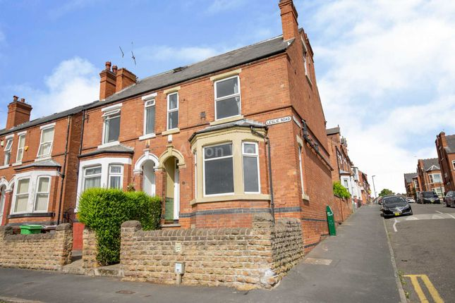 Thumbnail Semi-detached house to rent in Leslie Road, Forest Fields, Nottingham