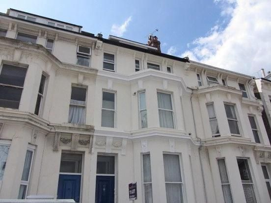 Thumbnail Flat to rent in Alhambra Road, Southsea