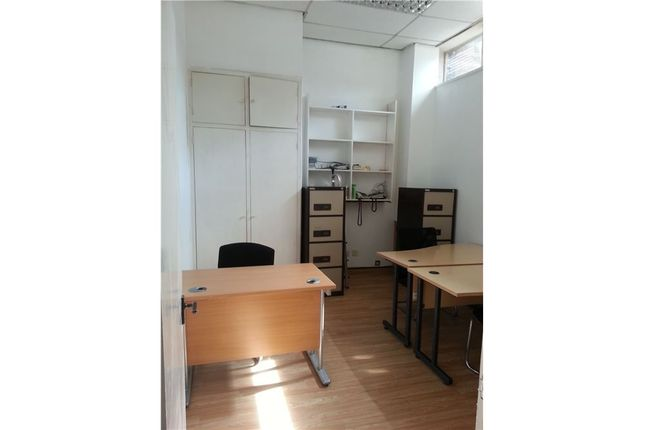 Office to let in Watford Way, Brent