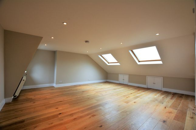 Thumbnail Flat to rent in Burntwood Lane, Earlsfield