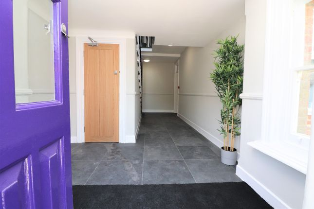 Thumbnail Flat to rent in Oakmount Avenue, Southampton