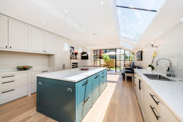 Thumbnail Terraced house for sale in Brooksville Avenue, London