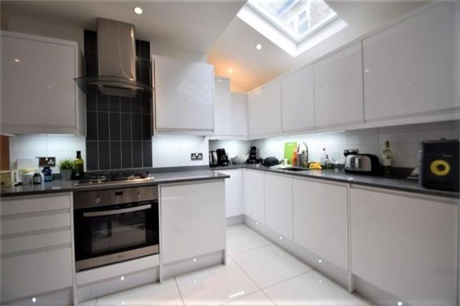 Thumbnail Flat to rent in Shakespeare Road, Herne Hill