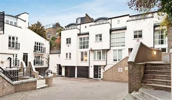 Thumbnail Mews house to rent in Park Walk, London