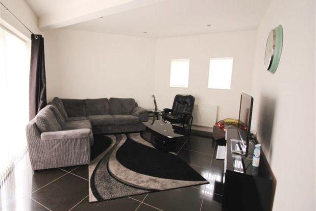 Living Room of Daleside Avenue, Pudsey LS28