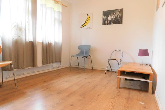 Thumbnail Flat to rent in Greenleaf Road, London