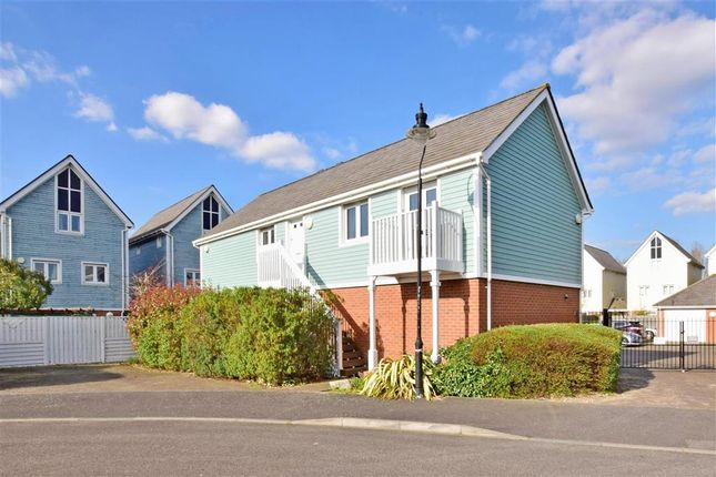 Thumbnail Flat for sale in The Lakes, Larkfield, Aylesford, Kent