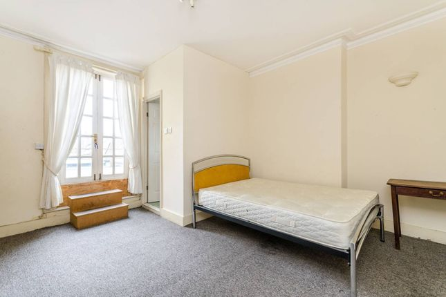 Thumbnail Flat to rent in Lavender Hill, Battersea