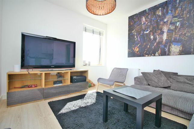Living Room 1 of Rathbone Street, London E16