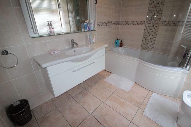 Bathroom of Lake Road West, Roath Park CF23
