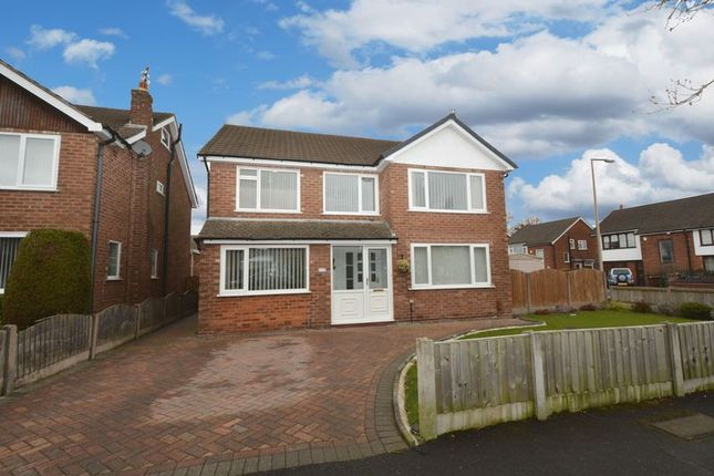 Thumbnail Detached house to rent in Queensway, Heald Green, Cheadle