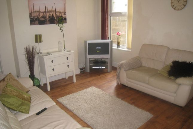 Thumbnail Shared accommodation to rent in Jubilee Drive, Liverpool